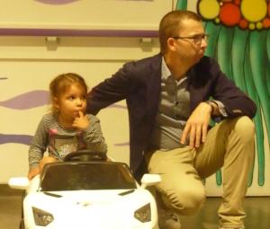Des voitures électriques pour les enfants hospitalisés à l'hôpital Saint-Clair